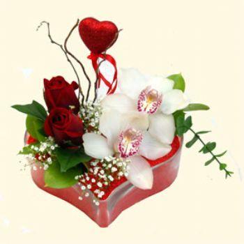 Kalp Ýçinde Orkide ve Gül